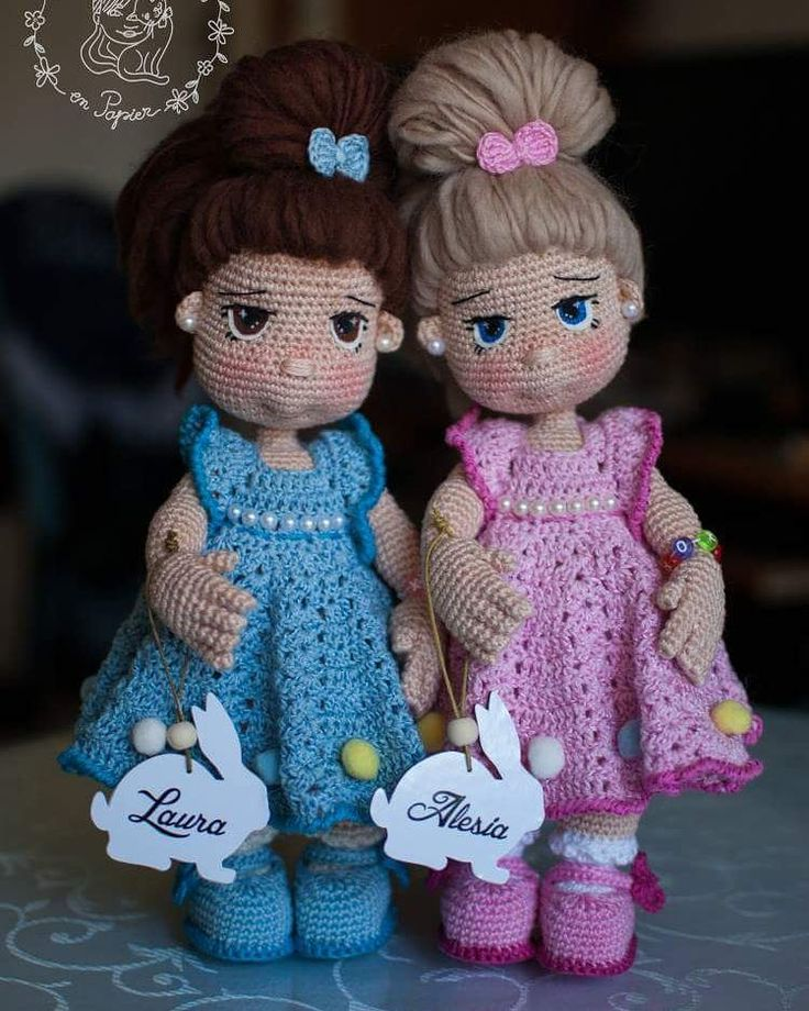 Laura & Alesia just met their owners with the same name today :) #trippleproject #colour #crochetdoll #papillonenpapier