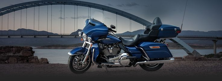 Get in the two-up Electra Glide® seat and there are absolutely no limits to how far you can go or how good it's all going to feel.