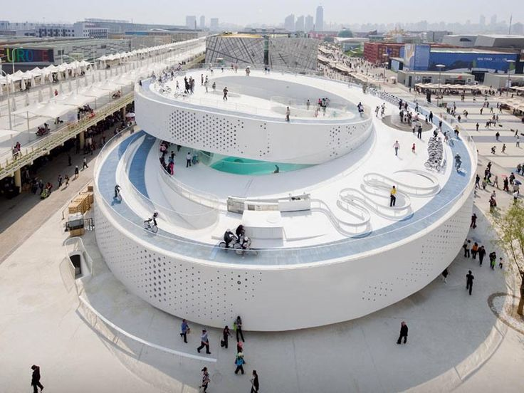 Bjarke Ingels' architecture is luxurious, sustainable and community-driven. This ski slope is built atop a waste processing plant.
