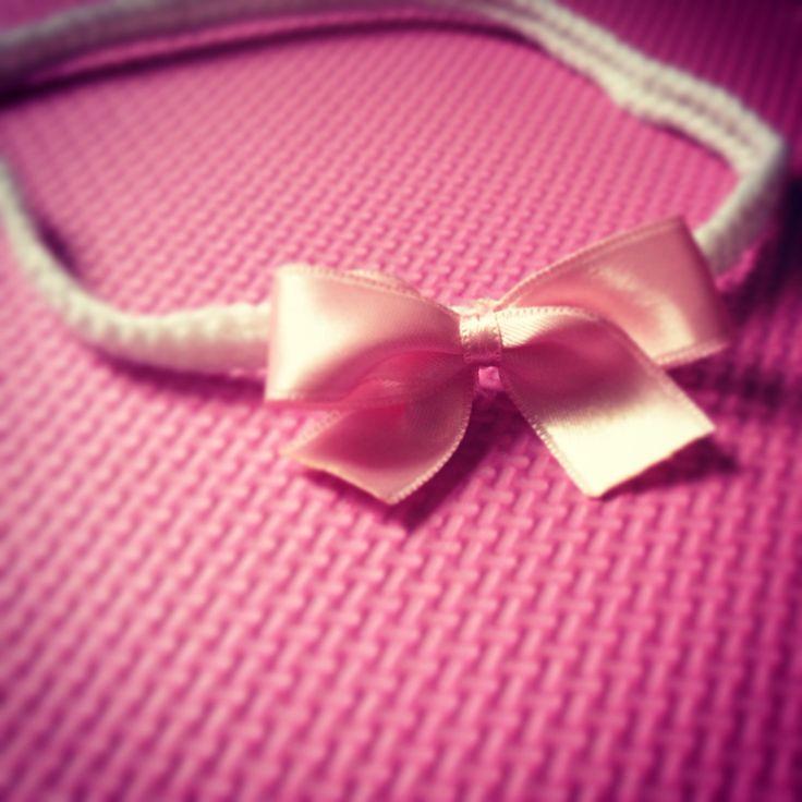 Crochet headband with bow! =)