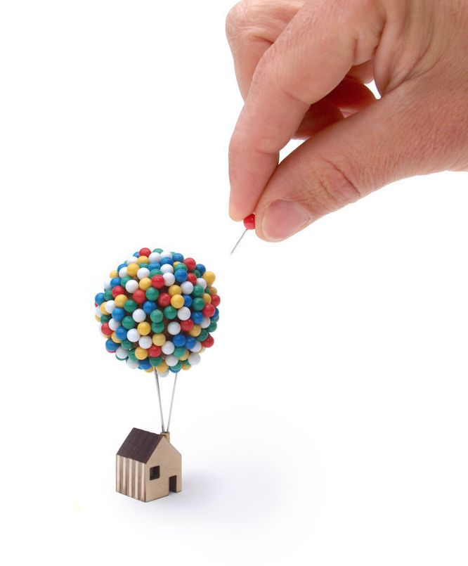 A balloon pin house that Carl Fredricksen would appreciate.