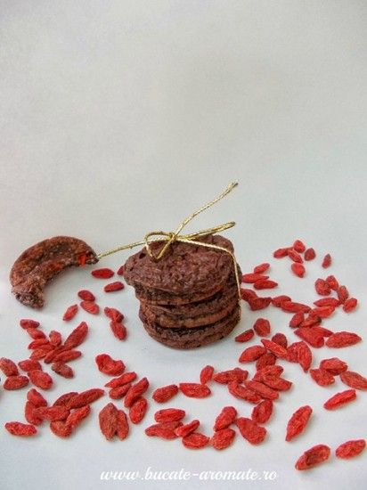 Fursecuri Dukan cu cacao si fructe goji