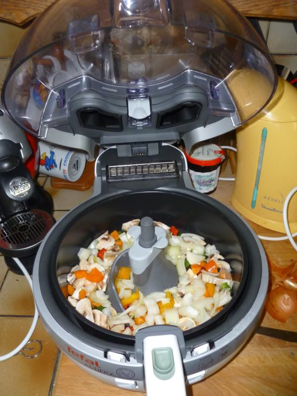 Madhouse Family Reviews: Tefal Actifry Doesn't Just Do Chips ! - Chilli Con Carne