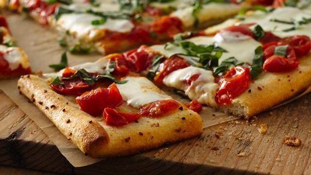 Garlic Butter Crusted Margherita Pizza | Recipe | Garlic Butter, Pizza ...