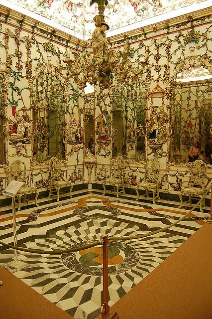 Porcelain Room dates from 1760, and it has 8 large mirrors that reflect the tiles done in a Chinoiserie theme. Sala China, Palacio Real de Aranjuez by twiga_swala, via Flickr