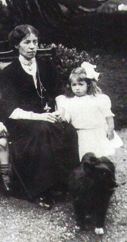 Millvina Dean - shown here with her mother - #2a | Flickr - Photo Sharing!