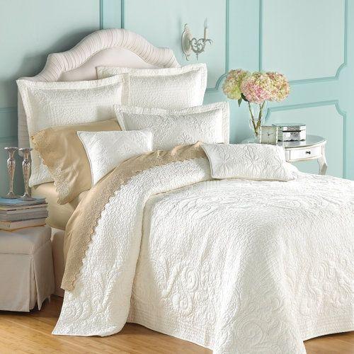 BedroomsGuest Room, Wall Colors, Design Bedroom,  Comforters, Guest Bedrooms, Blue Wall, White Beds,  Puff, Bedrooms Ideas