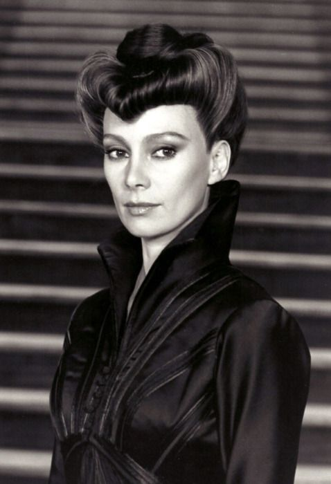 "Francesca Annis as Jessica Atreides in ""Dune"" ~ look at that hair!"