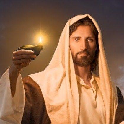 🌜Oración de la Noche🌛  🌠  Señor, quiero acercarme a Ti y dejar que sigas llenando mi corazón con tu fuerza, esa que me impulsa a buscarte y a dar lo mejor de mí cada día. Gracias, bendito Señor, por todas tus obras en mi vida, porque me llevas de la mano, guiando cada uno de mis pasos. Que tu Palabra venga a mi corazón y sane lo que está enfermo e imprima calor a todo lo que está helado. Mi Dios, sana todas las emociones negativas que los problemas me han acasionado y no me dejan tener…