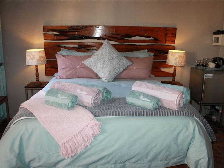 Casablanca Bed and Breakfast - This is a new bed and breakfast. We offer luxury at its best.  We have two rooms with en-suite bathrooms.  All rooms are equipped with a coffee and tea tray, mini fridge, flat screen TV and DStv, air-conditioning ... #weekendgetaways #beaufortwest #centralkaroo #southafrica