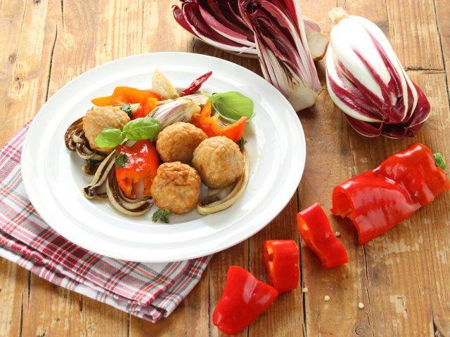 Polpette di pollo al radicchio e peperoni 1 5 poco tempo - Cucinare spendendo poco ...