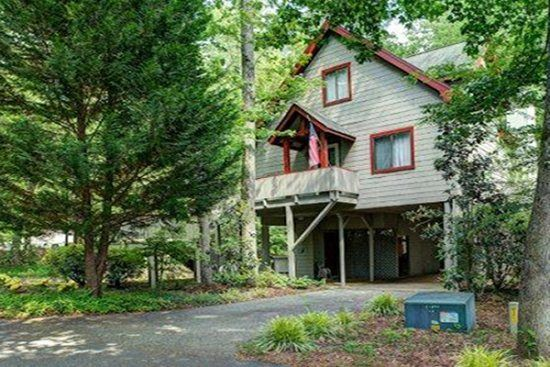 17 best images about trips on pinterest asheville for Luxury pet friendly cabins in north georgia