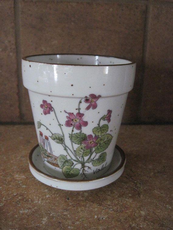 Small Vintage Flower Pot With Violets Design Made Vintage Flower Pots Flower Pots Vintage Vases