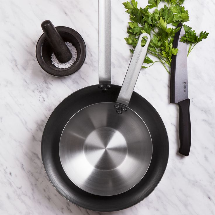 Carbon - our series of pans in carbon steel is ideal for all types of meat and poultry.