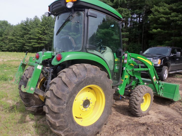 Rear of John Deere 66 engine hp John Deere 4720 cab tractor