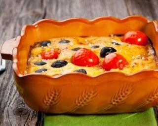 Mini clafoutis aux tomates cerise et aux olives : http://www.fourchette-et-bikini.fr/recettes/recettes-minceur/mini-clafoutis-aux-tomates-cerise-et-aux-olives.html