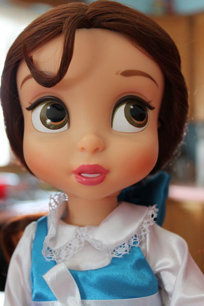 Belle - Disney Animators Dolls.