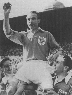 pictures of stanley matthews - Google Search  1953 FA cup final.