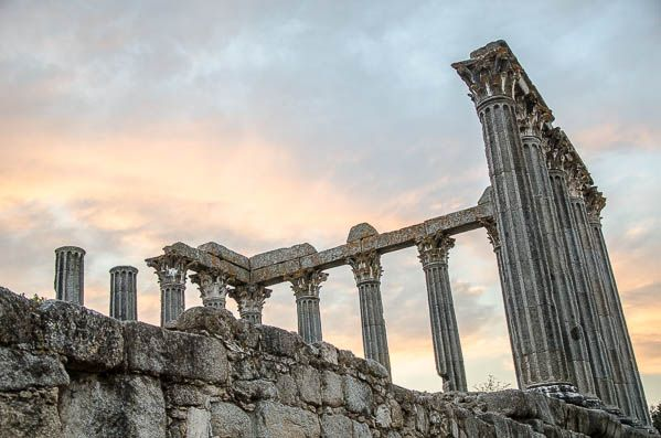 photo evora roman temple