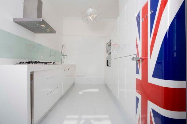 #excll #дизайнинтерьера #решения Один из самых важных предметов бытовой техники станет таким образом центром интерьера вашей кухни и в классическом стиле.