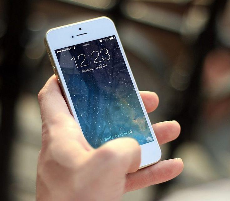 Découvrez nos conseils pour économiser sur son forfait mobile : choisir un forfait adapté, utilisez le wifi et limiter certaines applications pourraient vous aider à économiser quelques euros.