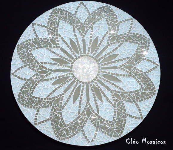 Mandala para Decoração Mandala em Mosaico de Vidro, Espelho e Pedras. Produto para uso em Ambiente Interno. R$ 360,00