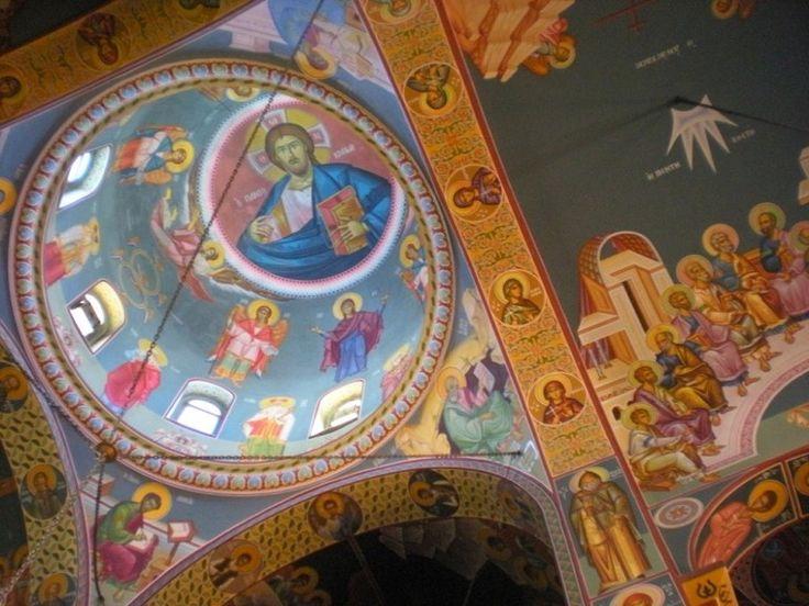 Dans la cathédrale d'Agios Nikolaos. #Grèce #Crète