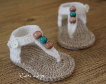1000+ ideas about Knit Baby Shoes on Pinterest Knitting ...