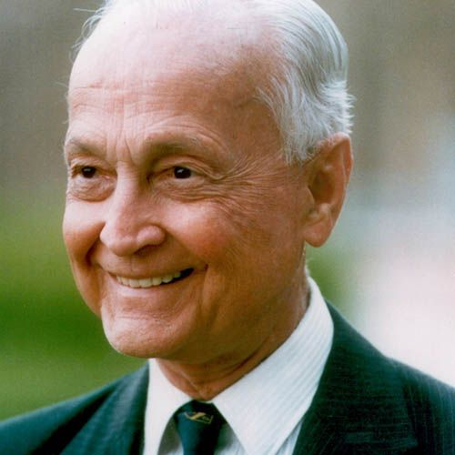John Templeton was a co-founder of a company that is now known as Templeton, Dobbrow & Vance at the end of the Depression in 1937. In 1992 the Franklin Group bought his funds. Queen Elizabeth II made him a knight, as he was a naturalized British citizen, because of his great achievements.His John Templeton Foundation is one of the world's most recognized foundations that donate most of their funds to scientific research.#JohnTempleton #dollars #mutualfunds #FranklinGroup