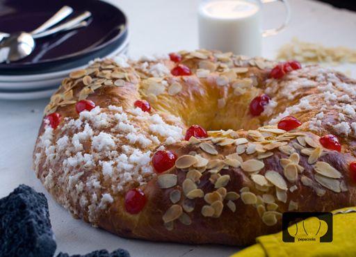 En tres años la vida ha dado muchas vueltas. Nosotros con ella y con nosotros el roscón. Os enseñamos la última idea para hacer un Roscón de Reyes completamente delicioso.
