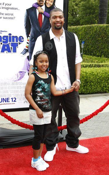 ACTOR DERAY DAVIS AND DAUGHTER AT PREMIERE - Black Celebrity Kids