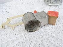 shabby Nussmühle Mandelmühle aus Grannys Küche