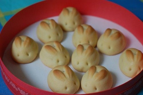 Usaji Manju - Traditionally a rice/yam dough roll filled with red bean paste eaten in Japan to celebrate the moon rabbit. These are so adorable they'd be great for a child's birthday party so I'm going to attempt to make something that looks similar using different biscuit/cookie/shortbread recipes. (Photo found on Google Images)