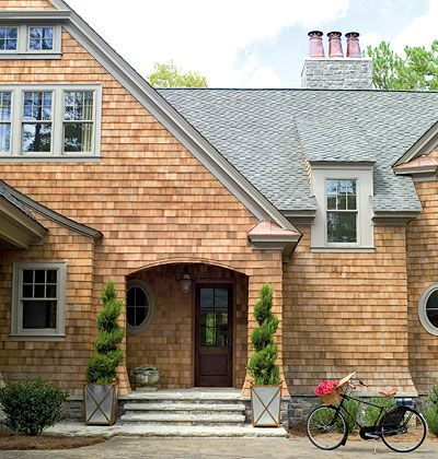 78 best east coast hamptons style images on pinterest for Shingle sided homes