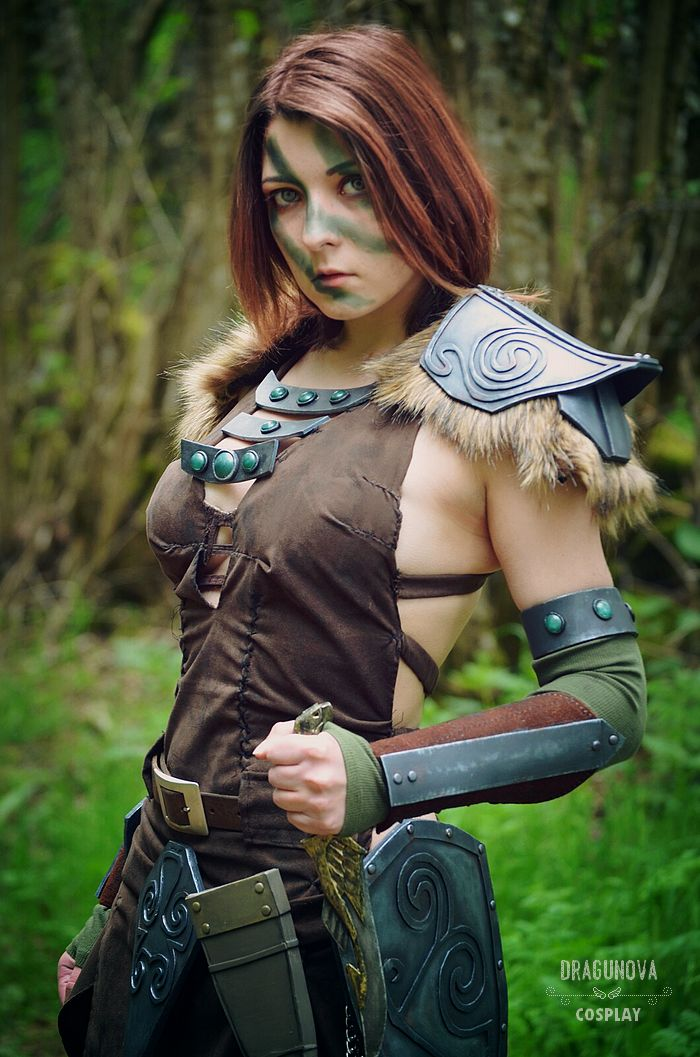 34 best video game cosplay aela the huntress the elder