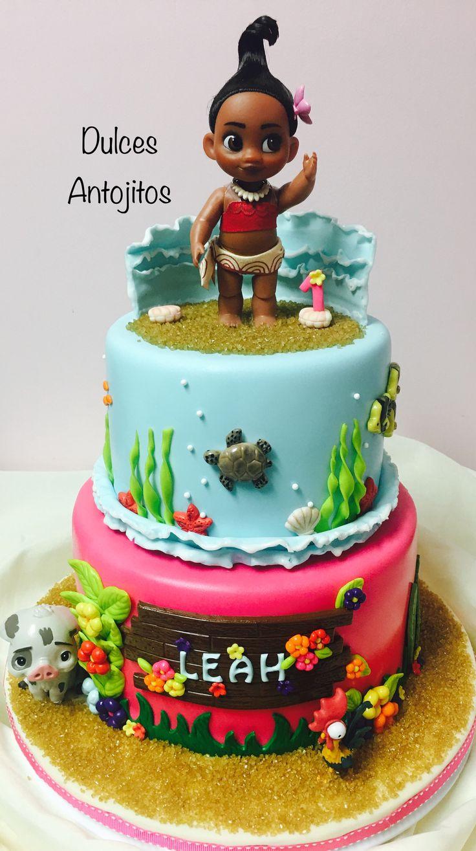 Moana cakes for children's parties http://comoorganizarlacasa.com/en/moana-cakes-childrens-parties/ Pasteles de Moana para fiestas infantiles #cakeforkidsparty #kidspartyideas #Moanacakesforchildren'sparties