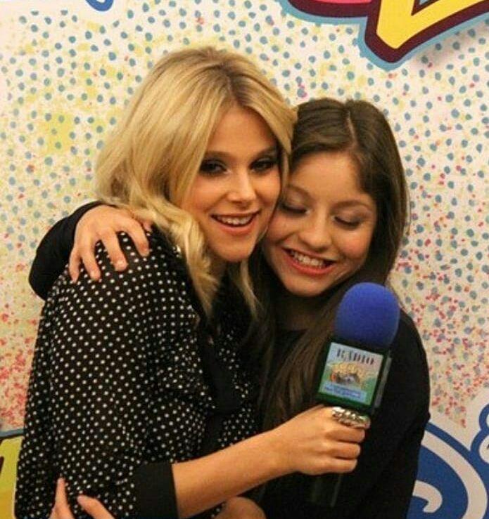 Instagram Soyluna Storiedamore Storie D Amore Amreading Books Wattpad In 2020 New Disney Channel Shows Disney Channel Spanish Tv Shows