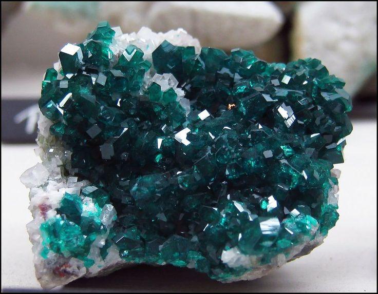 Dioptase by greenzaku.deviantart.com on @DeviantArt