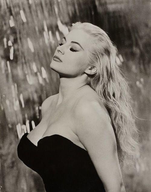 Tazio Secchiaroli :: Anita Ekberg, at the set of La Dolce Vita, Rome, 1960
