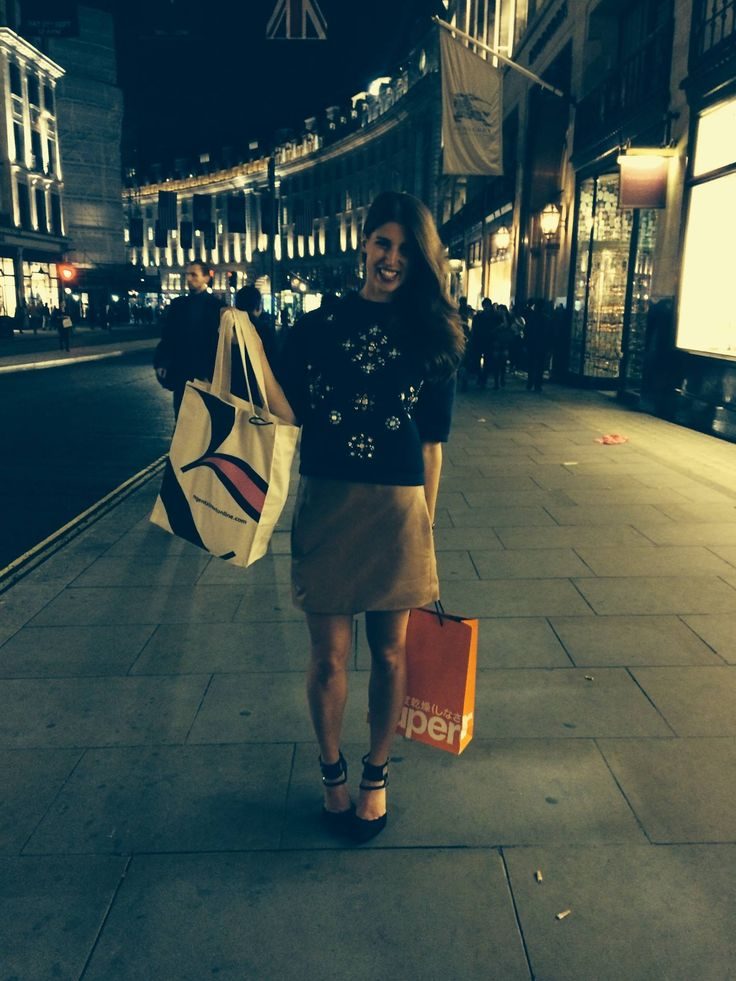 Blogger @thankfifi enjoys the shopping opportunity at #FNO in #RegentStreet.