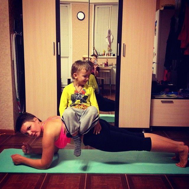 Мое любимое упражнение #sibworkout1 конкурс от @rusdudnik Планка с утяжелителем в виде сына