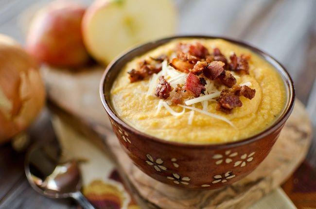 Гороховый суп с копченостями. 10 согревающих супчиков для холодной зимы