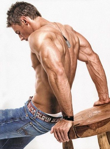 Best Triceps Exercise for Muscle Growth exercise-exercise-exercise Forget the triceps. Where's that guy?!!