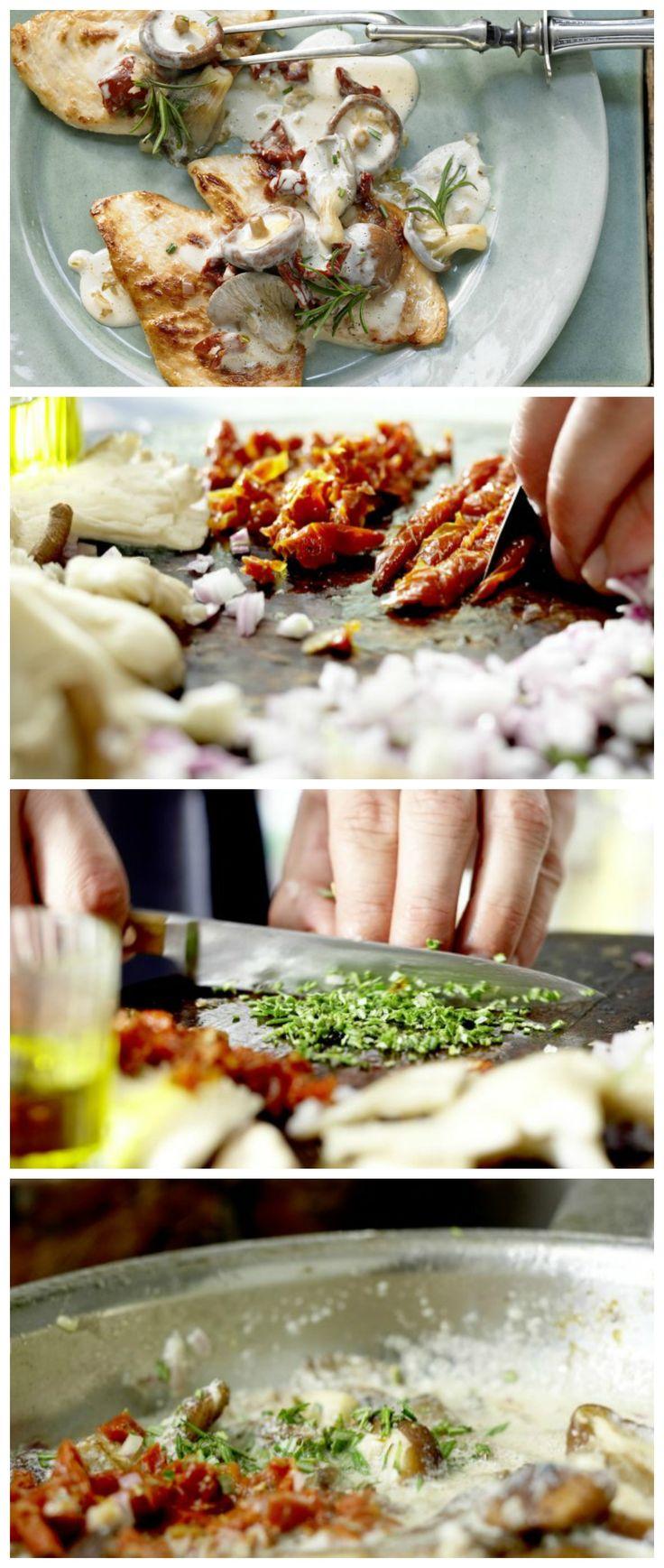 Schnitzel im Mehl wenden, durch das Ei ziehen und mit den Bröseln rundherum panieren: Wiener Schnitzel – smarter mit geriebenem Meerrettich | http://eatsmarter.de/rezepte/meerrettich-schnitzel