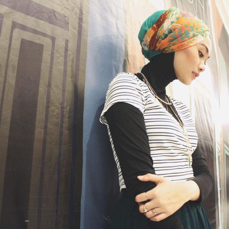 Gaya Hijab Turban Indah Nada Puspita