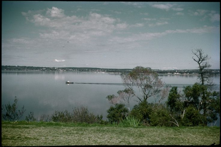 133371PD: Swan River from Sunset Hosptial, 1974.  https://encore.slwa.wa.gov.au/iii/encore/record/C__Rb3761297
