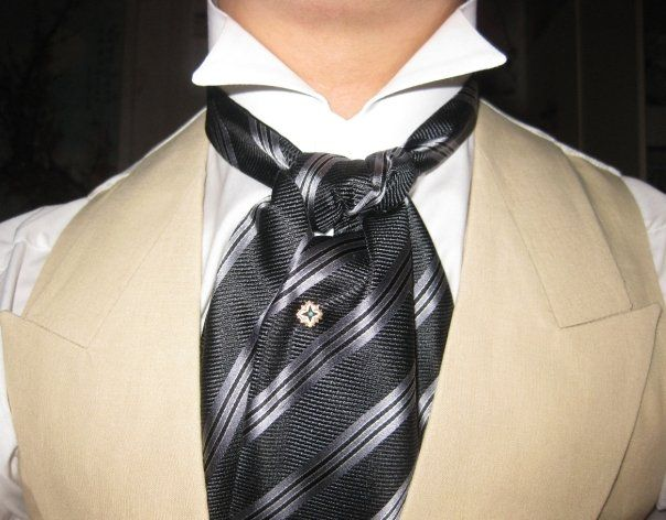 I prefer the necklinx but this is nice,