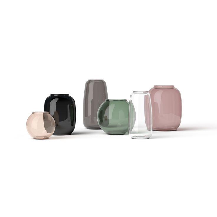 Lyngby Porselen har nå lansert en ny vakker vase kolleksjon basert på gamle former av kunstporselen fra 1969. Serien er ganske enkelt kalt Form og inneholder de mest populære av de gamle formene. Alle vasene har samme form som den gang. Form 70/3 er en rundformet vase med smal åpning i toppen som kommer i en vakker burgunder farge.