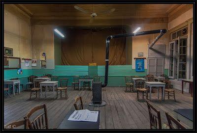 Thanos Tsakalos Photography: Καφενείο «Πανελλήνιον» ή «Γυαλί Καφενέ» στην Άμφισσα