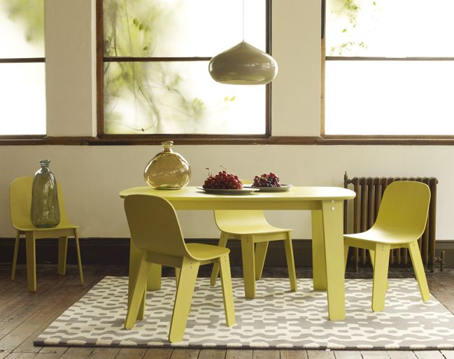 ayres dining table and chairs range habitat pour la. Black Bedroom Furniture Sets. Home Design Ideas